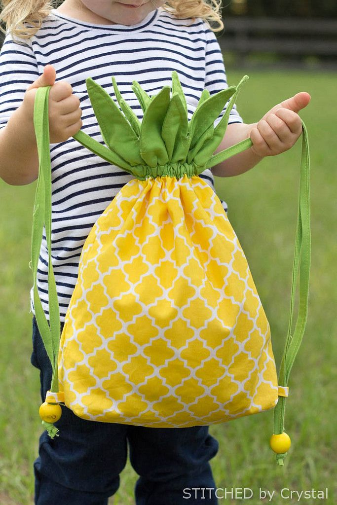 * DIY Pineapple Drawstring Backback * On adore ce petit sac en forme d'ananas ! parfait pour l'été ! #pineapple #designfood #fruit #ananas