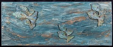 Pesci fuor d'acqua.Movimento, moto perpetuo. I pesci attraversano liberamente la superficie e il loro colore si confonde con quello dell'acqua. Universo fluttuante di pensieri in lenta emersione.Se volete vedere le mie creazioni venite sul mio sito http://www.marcelladonati.com