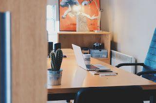 Informazioni  nel  web: Mantenersi in forma con la ginnastica da scrivania...
