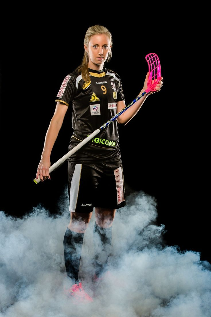 Portrait der schweizerischen Unihockeyspielerin Claudia Kunz / Portrait of the Swiss Floorball playe by André Burri on 500px