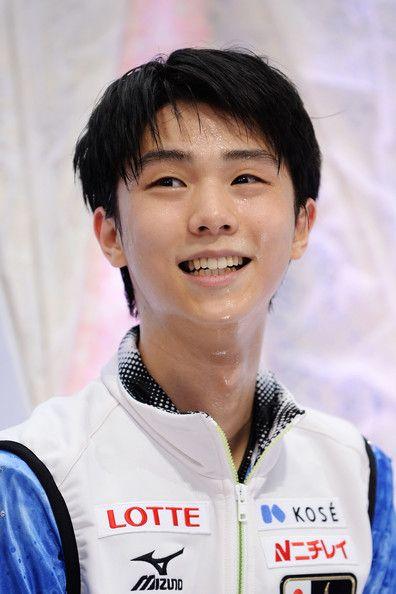 Yuzuru Hanyu of Japan smiles after the Men's Short Program during ISU World Figure Skating Championships at Saitama Super Arena on March 26,...