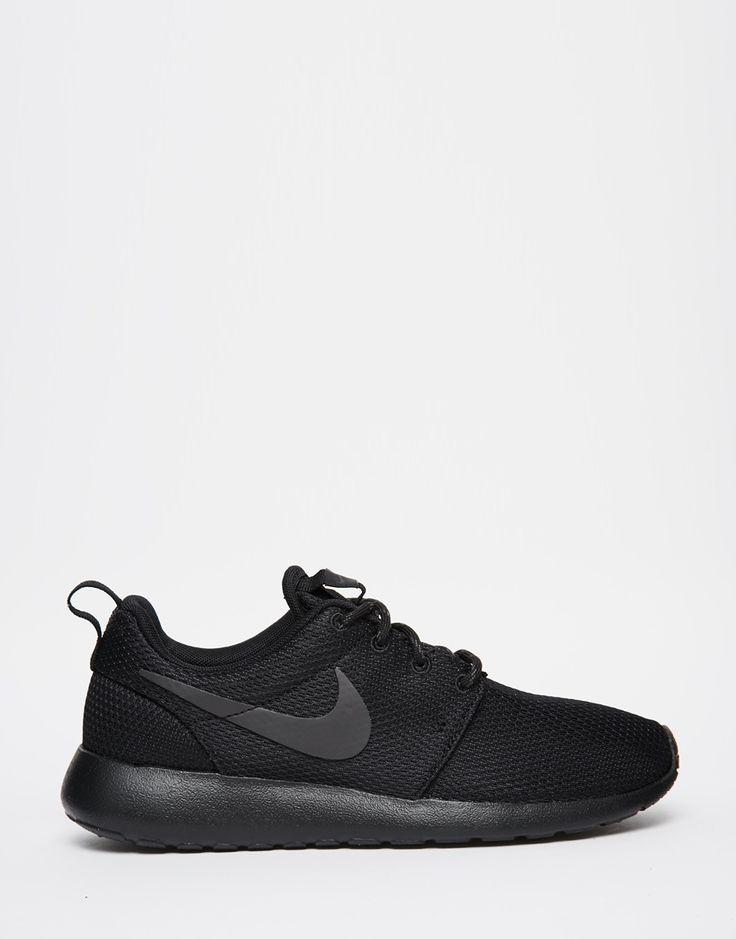 scarpe sportive nike nere