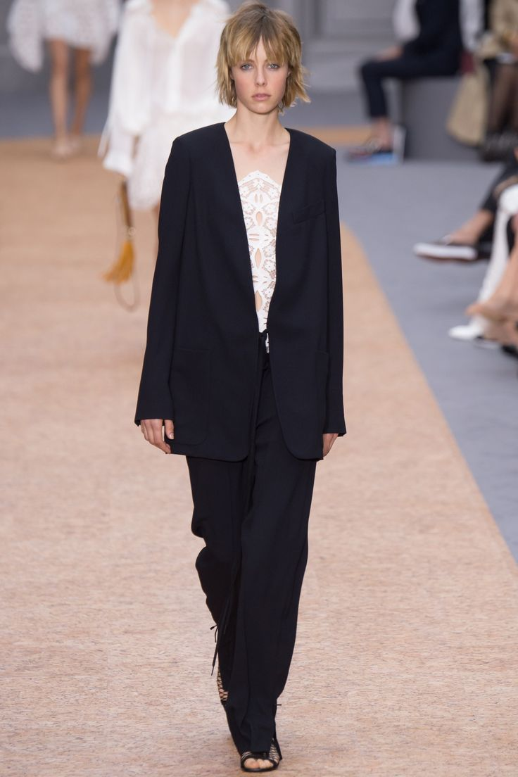 http://www.vogue.com/fashion-shows/spring-2016-ready-to-wear/chloe/slideshow/collection