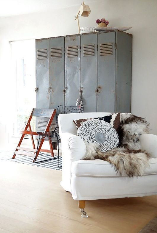 Love these vintage lockers, industrial chic at it's finest #industrial #lockers