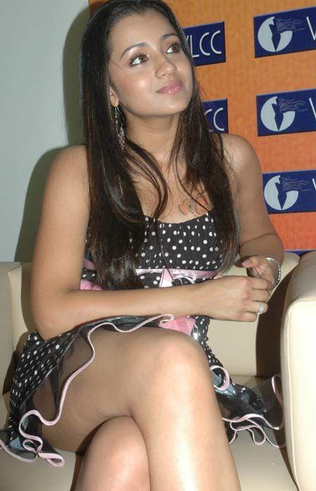 Glamorous #Trisha #Wallpapers looking awesome in #Picture stills