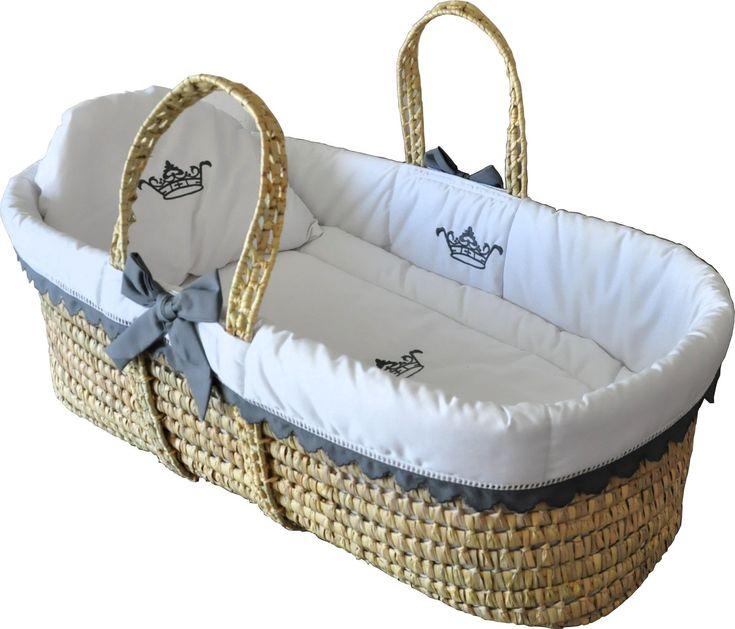 Cocon d'Amour a pour spécialité la confection des plus beaux couffins pour bébé. Chez Cocon d'Amour, chaque création est unique,car chaque naissance est magique !