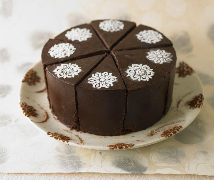 Cake Decorating Ideas With Ganache : Schokoladencanache Torte. #Tortendekorieren #Schokolade # ...