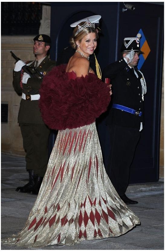 Het koninklijk paar tijdens het galadiner van de Luxemburgse prins en prinses.