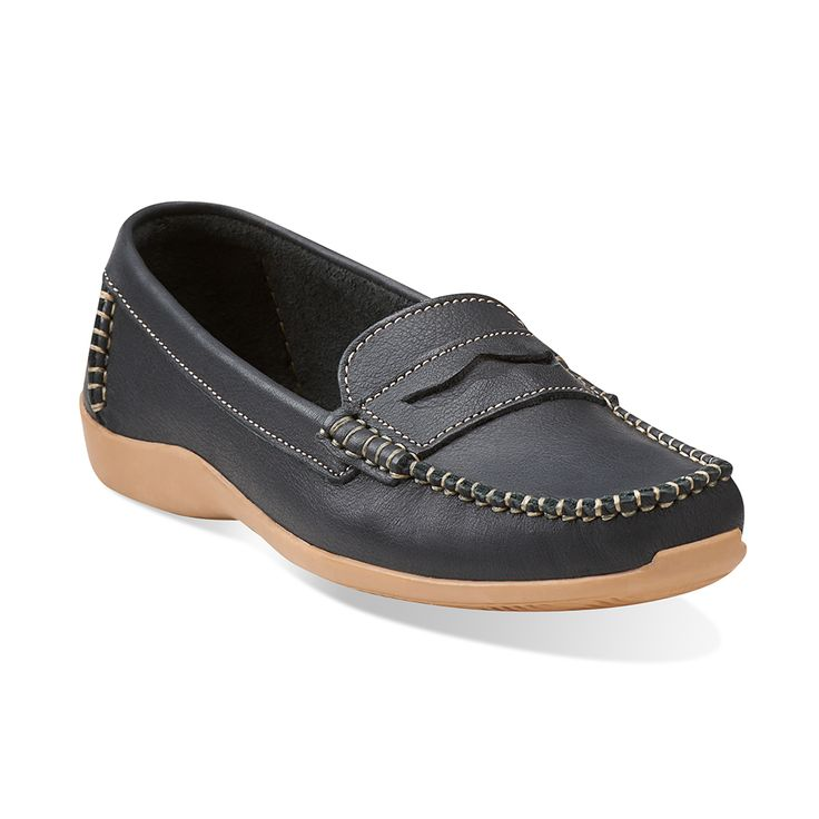 Soft Sonata leather slip on ladies shoe built for comfort. It is made in South African using handcrafted hand sewn techniques providing work opportunities from previously unemployed ladies and all profits go to the Soul of Africa trust to support local projects.