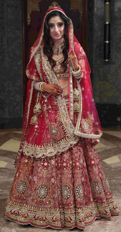Google Image Result for http://www.weddingsutra.com/real_wed/realbrides/images/Shalini-Wedding5.jpg