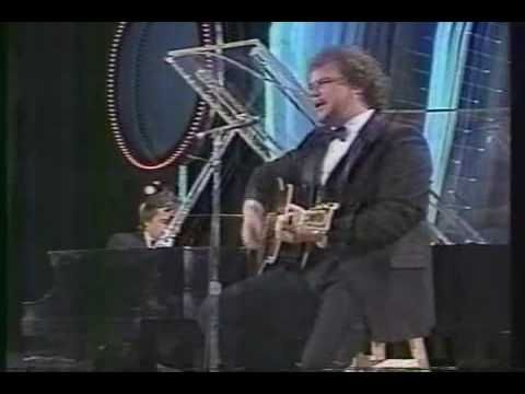 Arthur's Theme - Dudley Moore and Christopher Cross - Night of 100 Stars 1982 - YouTube