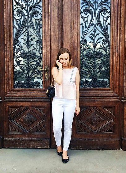Get this look: http://lb.nu/look/8747815  More looks by Marta S.: http://lb.nu/kreujeswojezycie  Items in this look:  Romwe Pink Top, White Pants, Rosegal Black Bag, Franco Sarto Black Shoes, Daniel Wellington Gold Watch   #casual #chic #street
