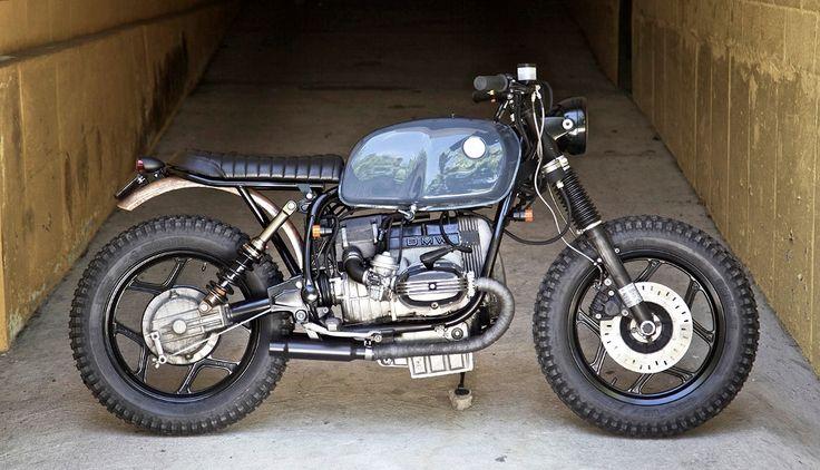 #motos #bmw #motoscustom VDB moto es un taller de motos de Italia actualmente funcionando en Nueva York. En esta moto han transformado una BMW R80RT de 1986, el objetivo era dejar una mezcla de lo nuevo y de lo viejo.