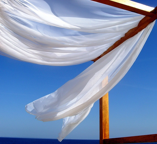 Summer breeze . . . makes me feel fine, blowin through the corners of my mind ......