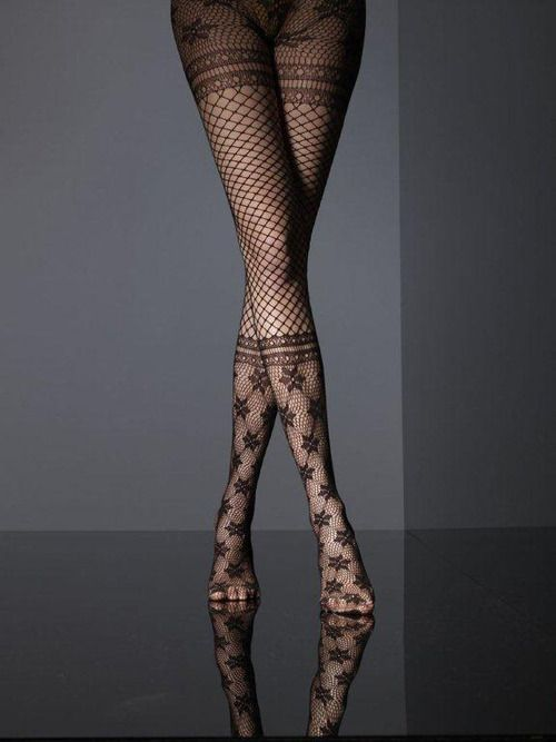 max-boner-sexy-legs