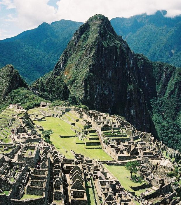 Le site inca de Machu Picchu au Pérou,  l'une des 7 merveilles du monde moderne