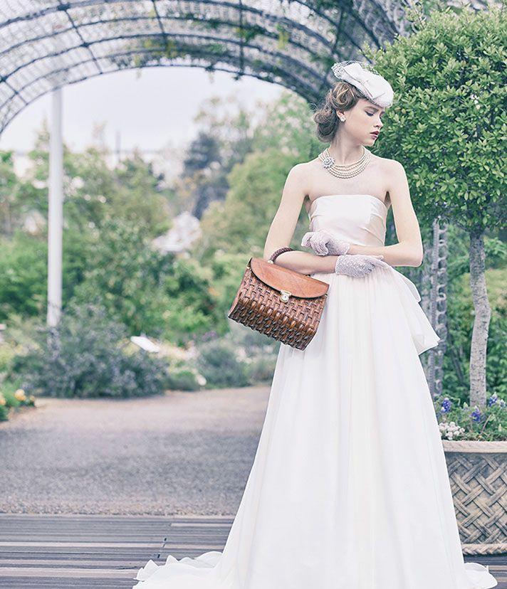 No. DBW-043D –シンプルなウェディングドレスはコーデ次第で、ドレッシーにもフェミニンにも。なりたい花嫁になれるオールマイティドレス。
