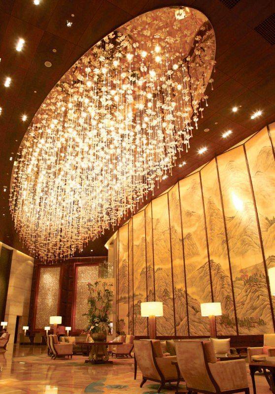 Люстра для японского ресторана http://www.lustra-market.ru/blog/lyustra-dlya-yaponskogo-restorana/  Под звёздным дождём нашей люстры не только японский император, но и любой посетитель этого японского ресторана может почувствовать себя сыном богини Аматэрасу!