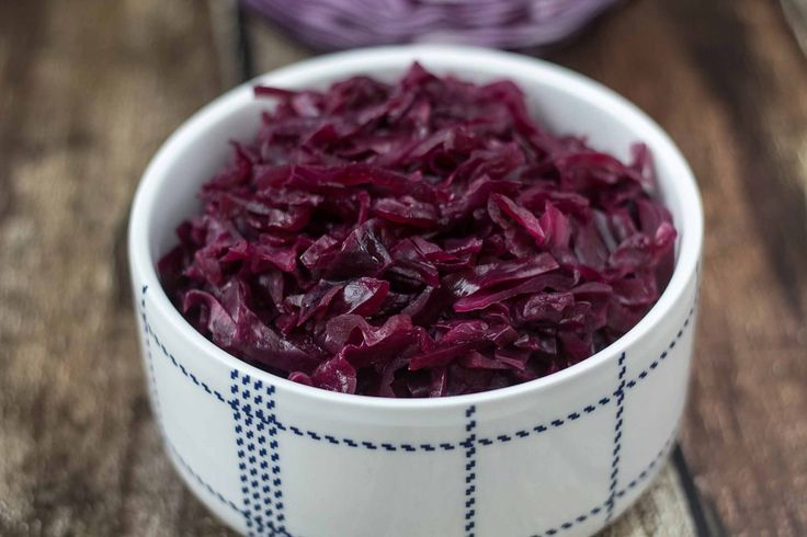 This recipe for the traditional Danish Red Cabbage is easy to make and very delicious. You only need five different ingredients and it's good for Christmas.