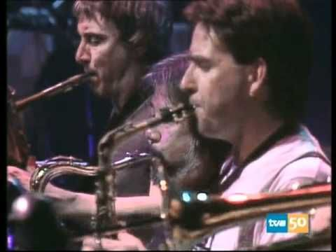 """Frank Zappa - Barcelona 1988 (Full Show) - This is an extremley interesting filmed concert, Zappa's last tour, great songs never seen before, such as """"Baritone woman"""" and also the classic """"sharleena""""."""