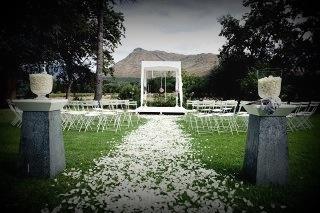 garden aisle ceremony
