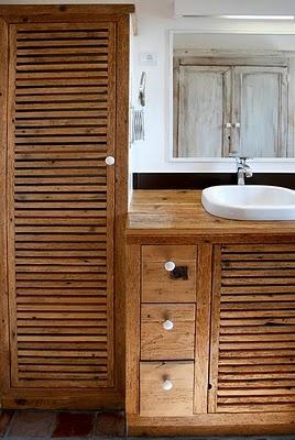 salle de bain refaite avec du bois de r cup diy salle de bain pinterest refaire r cup et. Black Bedroom Furniture Sets. Home Design Ideas