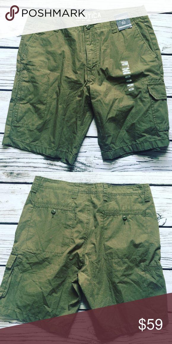 NAUTICA • Military Style Shorts Sz 32 100% Cotton Men's NAUTICA 100% Cotton Chino Utility Shorts New w tags!  Army Green  Size 32 Modern fit, flat front, sleek pockets 100% cotton  Retail $69 Nautica Shorts Cargo