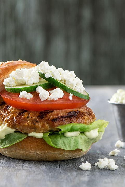 INGREDIENTS BY SAPUTO | Here's a delicious summer barbecue idea: turkey burgers with Woolwich goat cheese topped with avocado mayonnaise. Try this scrumptious recipe this week for a gourmet dinner the whole family will love!