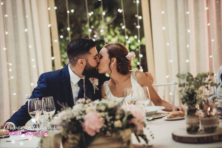 La perfección solo tiene un nombre y eres tú, momentos mágcios perfectaente capturados, bodas 2017. #engagementring #dreamy #loveisintheair #details #fotografías #bodas #bodas #whitefashionphotographer #sesión #fotos #enamorados #bestweddingphotographer #picofthed
