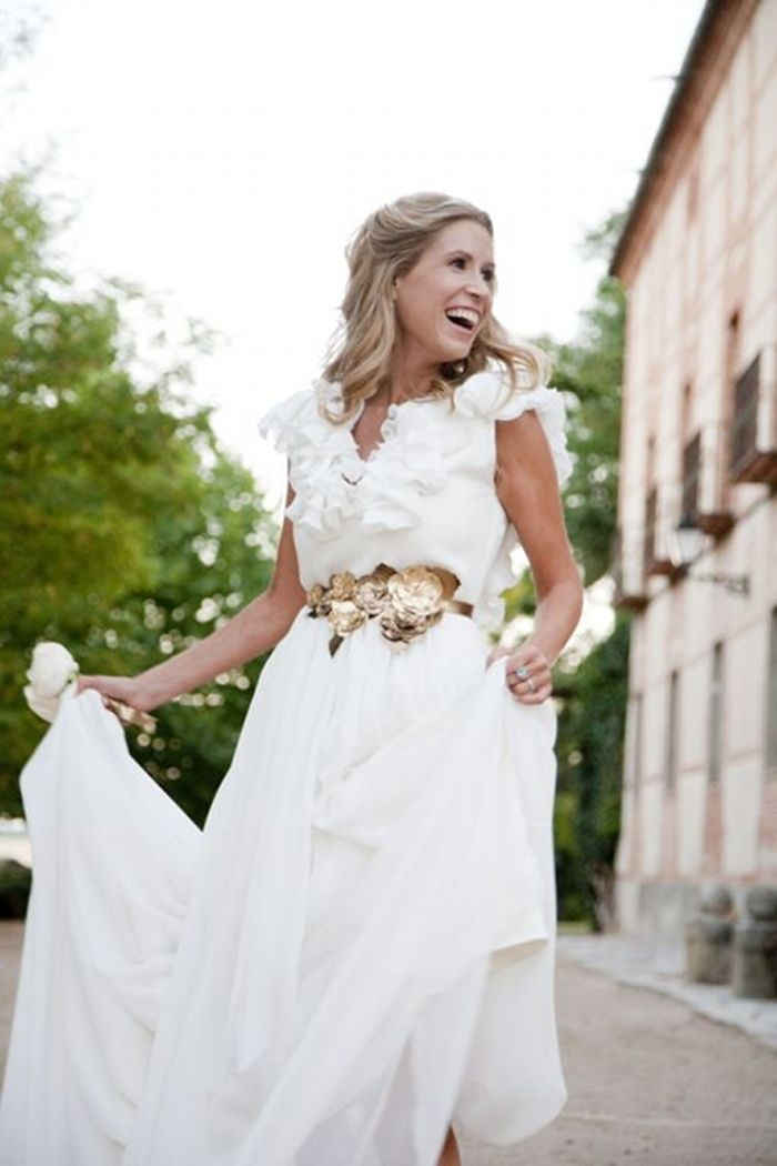 almudena y su vestido de novia diseño de helena mareque. el cinturón