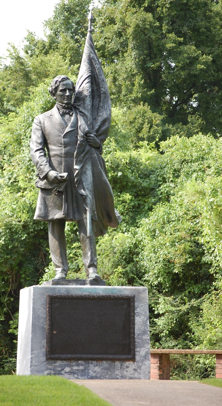 Jefferson Davis stature. Vicksburg National Military Park. Vicksburg, MS. Davis owned a plantation near Vicksburg.