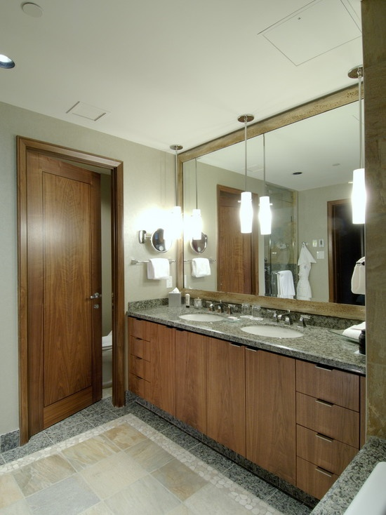 Pendant lights over vanity with chunky mirror design for Pendant lighting over bathroom vanity