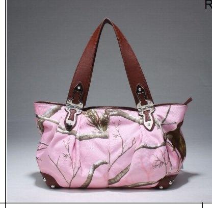 Realtree? APC Pink Camo Tote Handbag for Ladies (Pink/Chocolate)