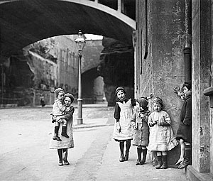 Children in The Rocks area of Sydney, Australia in 1912