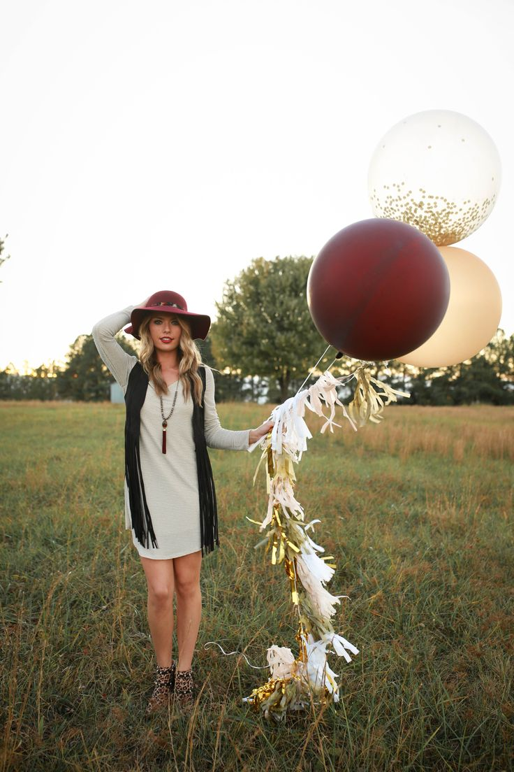 Using sparkly streamers with big balloons filled with sparkles