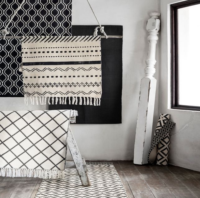 Best 25 cowhide rug decor ideas on pinterest cowhide for Arabian decorations for home