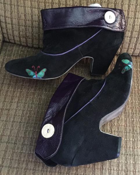 Vintage Shoes Gabriella Rocha Booties Black and Purple Size 10 – La Guanaquita's Closet