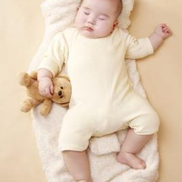 how to help baby self soothe at night