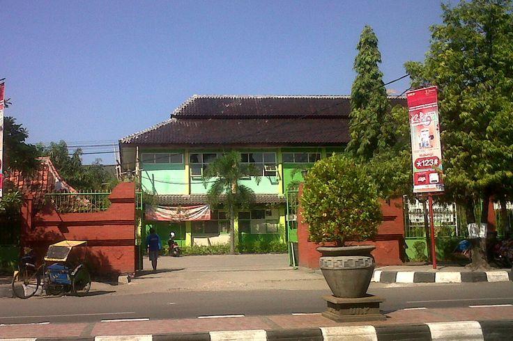 SMAN 6 Cirebon Jalan dr Wahidin Sudirohusodo, Kota Cirebon, Jawa Barat, Indonesia. photo cp 19 Juli 2014