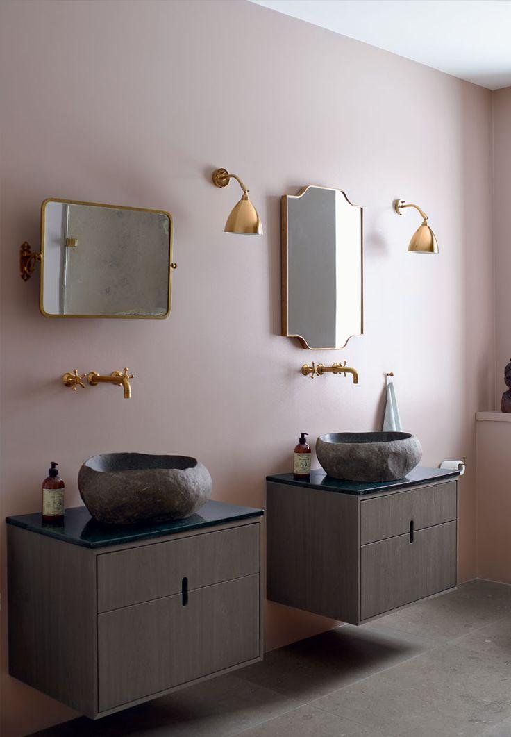 Modern bathroom inspiration bycocoon.com | bathroom design products | sturdy stainless steel bathroom taps | renovations | interior design | villa design | hotel design | Dutch Designer Brand COCOON | GUBI Bestlite BL7 Wall Lamp by Robert D. Best