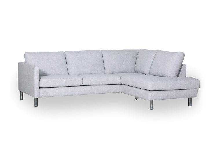Stylistically, Palma is characterised by simplicity and elegance and offers comfortable seats and backrests. The Palma is also available in a wide choice of options – two types of cushion filling, different types of legs and furniture sizes.