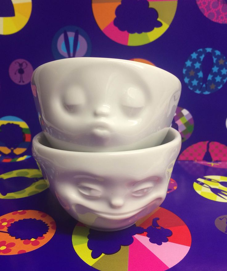 Set of 2 Emotion Bowls - Kissing and Grinning Be bowled over by these every morning, whilst having Breakfast! In store now