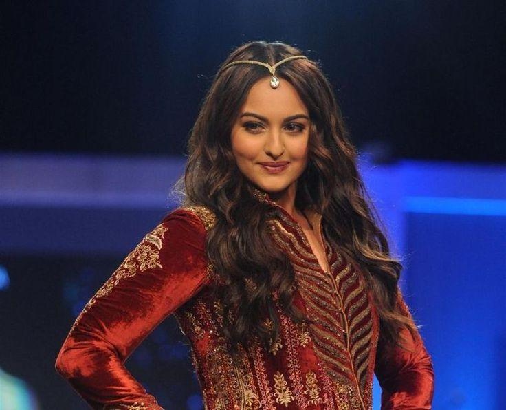 Sonakshi Sinha Shoots Music Video for Her Single 'Aaj Mood Hai ...