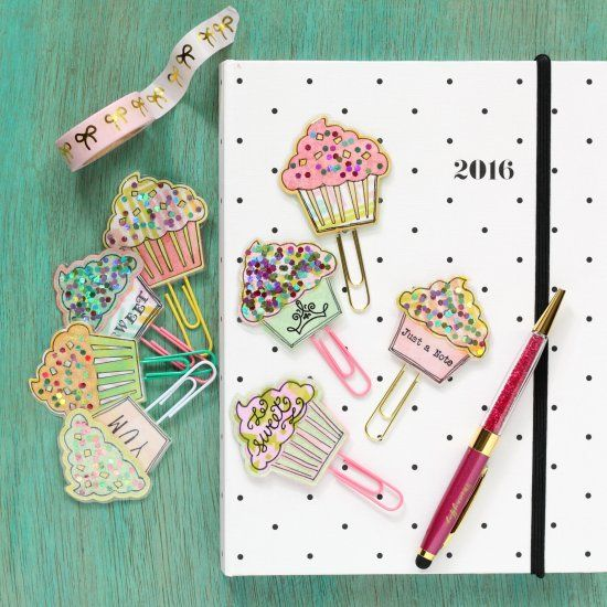 Learn how to quickly and inexpensively make Sparkly Cupcake Paperclips for your planner!