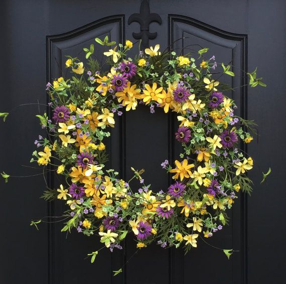Hey, I found this really awesome Etsy listing at https://www.etsy.com/listing/91727239/spring-wreaths-yellow-daisy-wreath