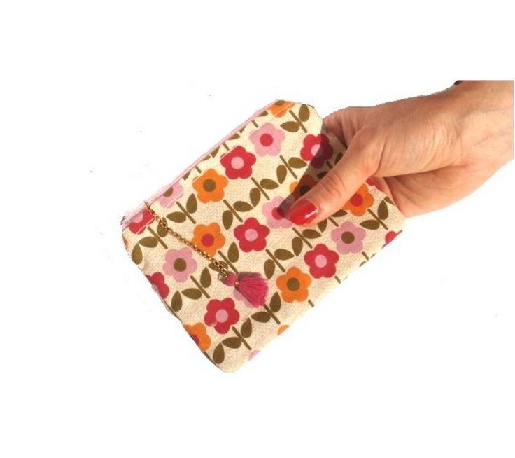 Porte-monnaie FLEUR multicolore molletonné et doublé en tissu coton aux motifs floraux colorés : Trousses par les-petits-pois-sont-happy