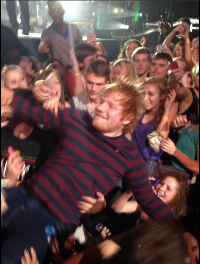 ed performed same love with macklmore tonight and he went crowd surfing and he never came back