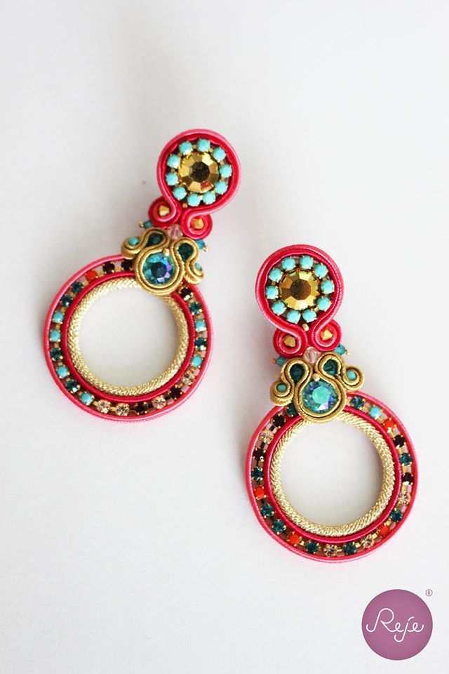 Soutache jewelry, soutache earrings, circle earrings, crystal earrings, handmade in Italy, coral earrings. https://www.etsy.com/it/shop/Rejesoutache?ref=hdr_shop_menu FACEBOOK: https://www.facebook.com/rejegioielliinsoutache/