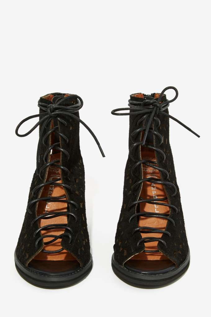 Nothing says footwear fan like the perfect pair. Shop all womens boots &  booties at Nasty Gal incl.