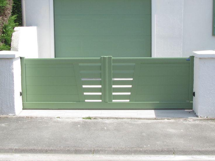 Portail alu Bouzeron coulissant modèle 2 vantaux couleur personnalisée